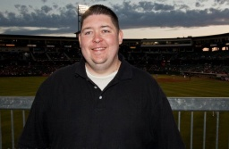 """Behind-The-Scenes With """"Mike Oz"""", One Of Yahoo! Sports' Best Bloggers"""